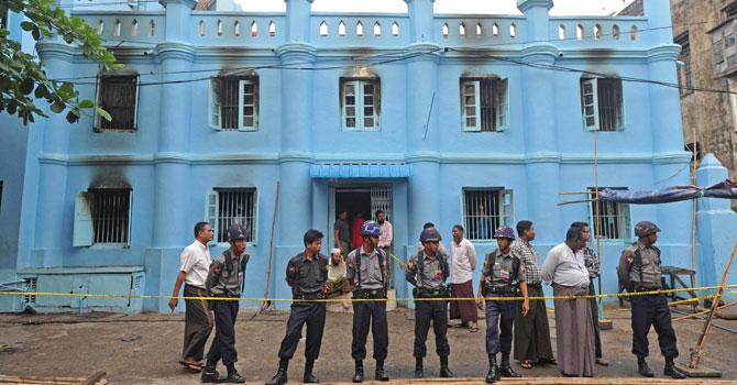 Myanmar-muslim-school-670-afp