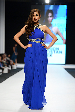 Designer: Sana-Safinaz