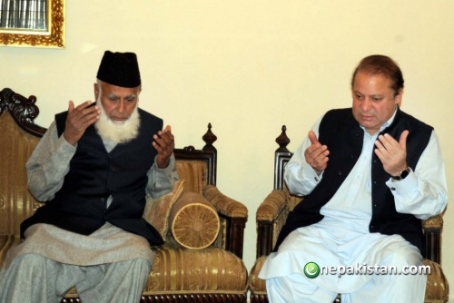 Nawaz Sharif with his handpicked president, Rafiq Tarar, who was a staunch member of the apolitical Islamic evangelical Islamic movement, the Tableeghi Jamat.