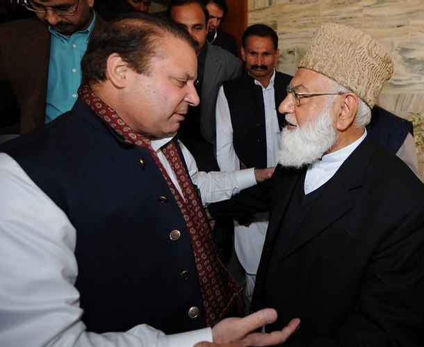 Amir of JI, late Qazi Hussain Ahmed (right) with  Nawaz Sharif.