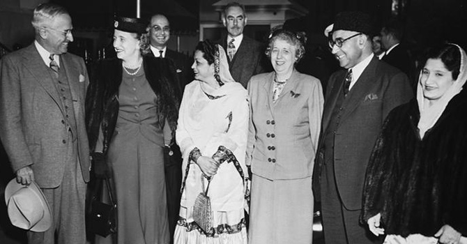 President Harry S. Truman welcoming Prime Minister Ali Khan. (Source: wwww.trumanlibrary.org – National Archives and Records Administration)