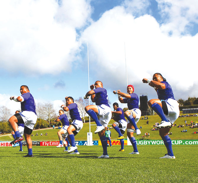 The Samoan rugby team performing the Siva Tau.