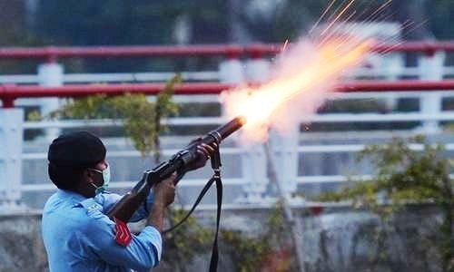 Islamabad police require 10,000 tear gas shells for PTI's planned siege