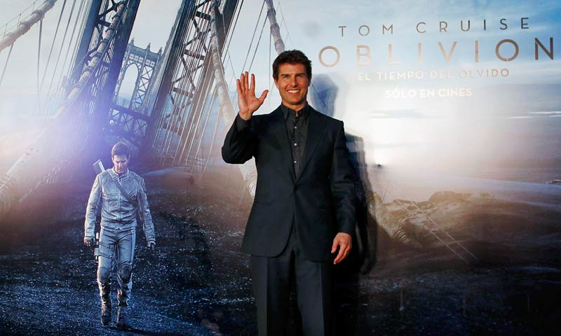 "US actor Tom Cruise poses as he arrives for the world premiere of his movie ""Oblivion"" in Buenos Aires in this March 26, 2013 file photo. -Reuters Photo"