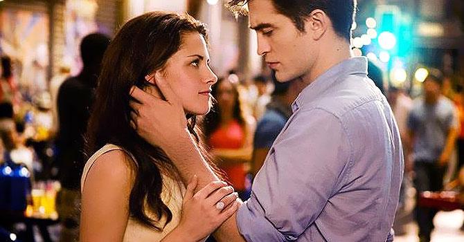 (L-R) Kristen Stewart and Robert Pattinson.–Photo by Reuters.