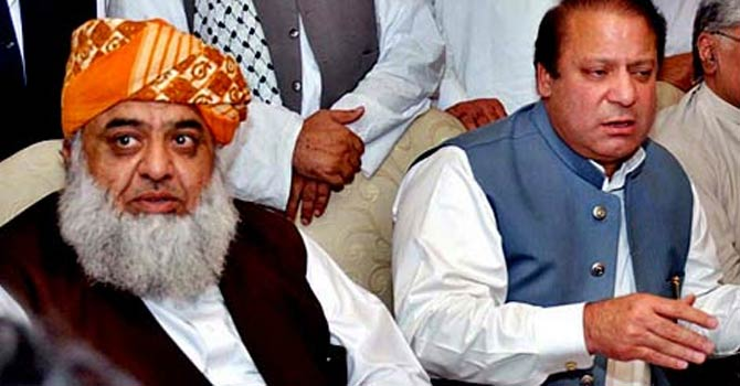 This picture shows Jamiat Ulema-i-Islam Fazl (JUI-F) chief Maulana Fazlur Rehman and Pakistan Muslim League - Nawaz (PML-N) chief Mian Nawaz Sharif.—File Photo