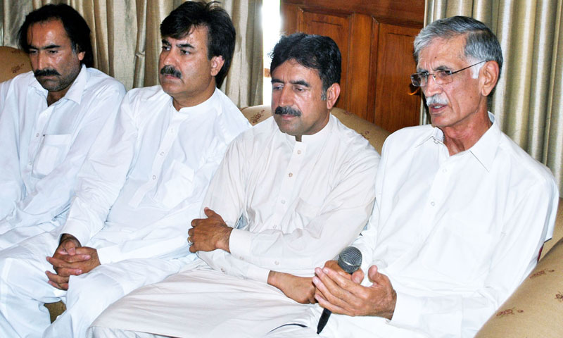 Designate Chief Minister KP Pervez Khan Khattak speaking to reporters. — Photo by INP