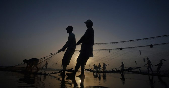 From Balochistan to Sindh, Fishermen complained about the depleting fish resources in coastal areas. Photo by Reuters