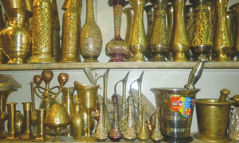 Popular brass and bronze handmade utensils.