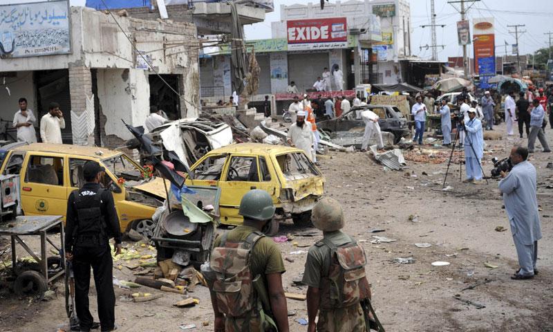 quetta  peshawar rocked by blasts