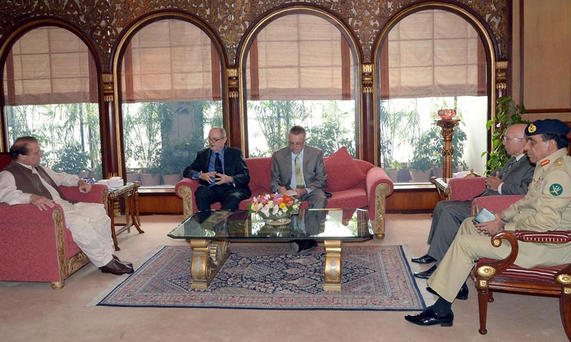 US Special Representative for Pakistan and Afghanistan, James Dobbin meets with Prime Minister Nawaz Sharif at PM's Office in Islamabad. – INP Photo/ File