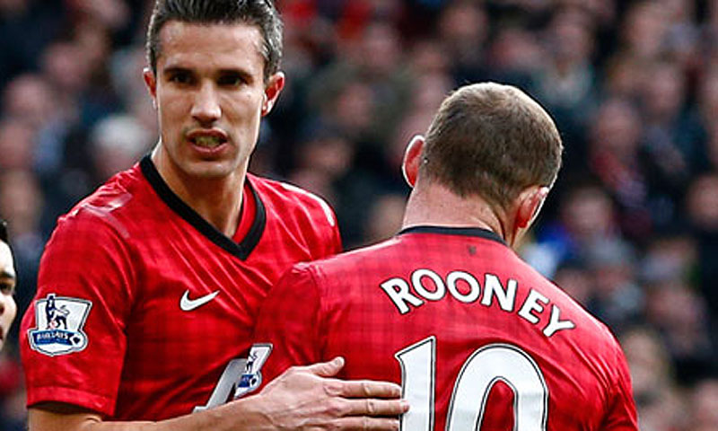 Robin van Persie (L) and Wayne Rooney (R). -File photo by Reuters