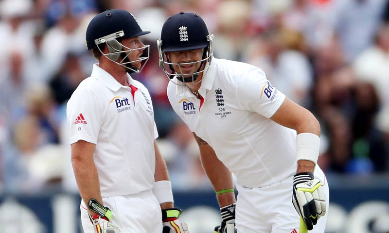 England's Ian Bell, left, and Kevin Pietersen, right, are seen during the third day of the fourth Ashes series cricket match against Australia at the Riverside cricket ground, Chester-le-Street, England. -AP Photo