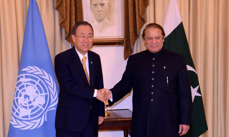 Prime Minister Nawaz Sharif shaking hands with UN Secretary General, Ban Ki-moon after arrival at the PM house. — Photo by INP