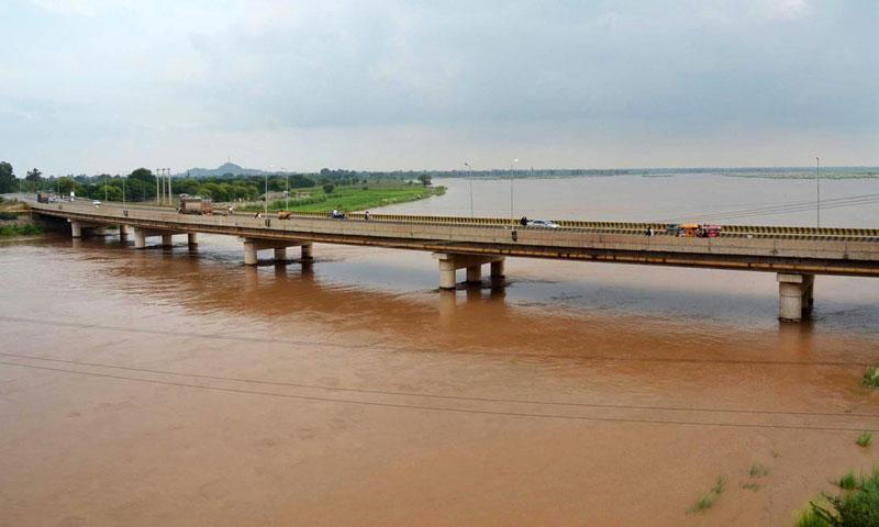 A view of the River Chenab during passing of 5 lac cusec floodtide. — Online photo