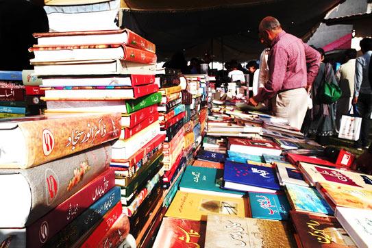 Urdu books for sale at the Karachi Literature Festival. –Photo by Hui Huan Tang/Dawn.com