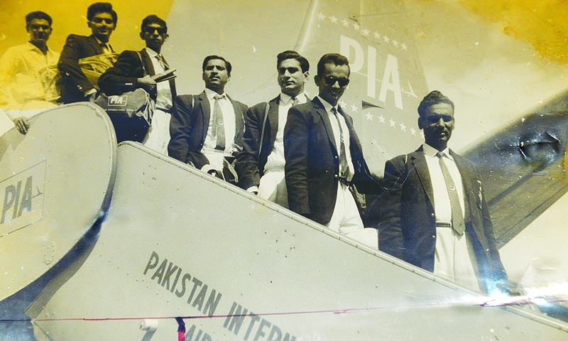 Pakistan table tennis team stepping out of the plane at the karachi airport on it return from abroad after competing in the Far East Champioship in 1963. Manager Majeed Khan is followed by Michael Rodrigues, farooq Zaman, Ashraf malik, Mazhar Qureishi and Shahid Iqbal.  — Photo courtesy :Anwer Zuberi collection (reproduced by Fahim Siddiqui/White star)