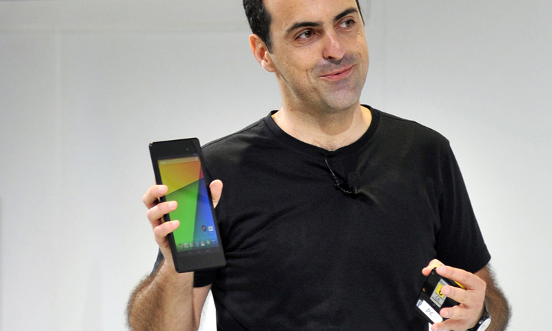 Hugo Barra, Vice President, Android Product Management at Google, displays a new Asus Nexus 7 tablet during a media event at Dogpatch Studios in this July 24, 2013 file photo in San Francisco, California.  China's Xiaomi has poached a key Google executive involved in the tech giant's Android phones, in a move seen as a coup for the rapidly growing Chinese smartphone maker. Hugo Barra, who was Google's vice president in charge of Android product management, said in a blog post late August 28, 2013 that he is joining