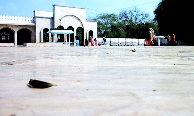 The central courtyard outside the shrine of Bulleh Shah in Kasur, Punjab. -Photo by Bushra Shehzad/Hosh media