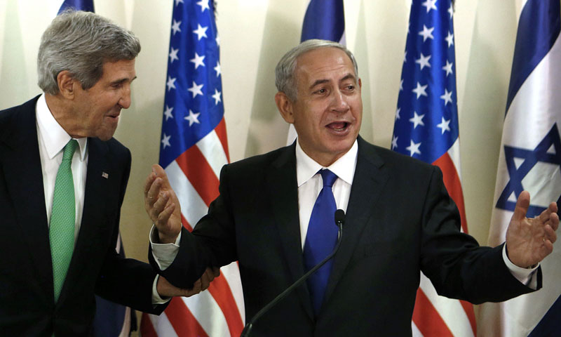 US Secretary of State John Kerry (L) shares a laugh with Israeli Prime Minister Benjamin Netanyahu during a press conference at the prime minister office in Jerusalem on September 15, 2013. – AFP Photo