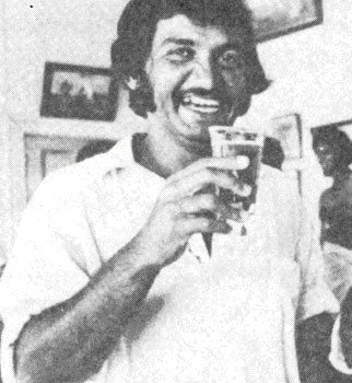 Sadiq enjoying a beer after Pakistan squared the series against Australia in 1976. In the background is Imran Khan, who took 12 wickets in the match.
