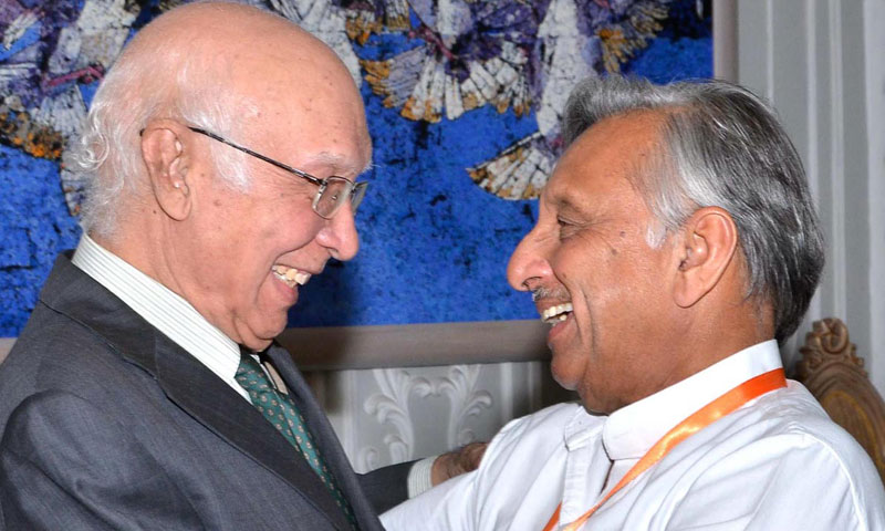 Adviser to the Prime Minister on National Security and Foreign Affairs Sartaj Aziz receiving the head of Indian Parliamentary delegation Mani Shankar in Islamabad on Thursday. – Photo by Online
