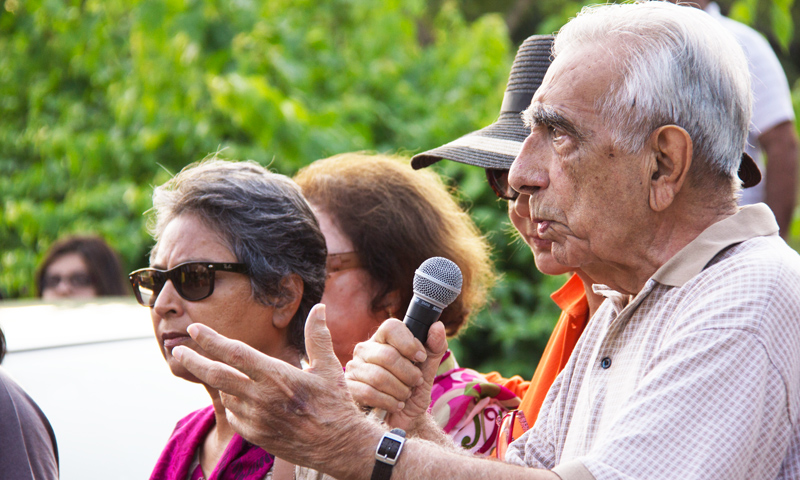 Former bureaucrat, Roedad Khan addressing the protestors. -Photo courtesy of Kuch Khas.