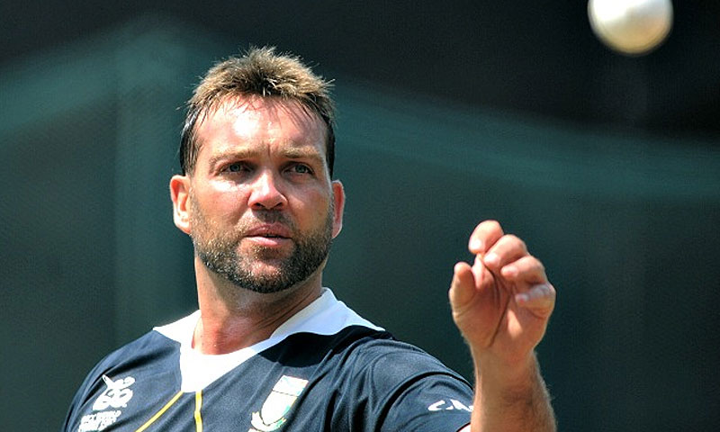Kallis needs another 251 runs to overtake Ricky Ponting (13,378) in the list of highest run-getters behind Tendulkar (15,837). -File photo