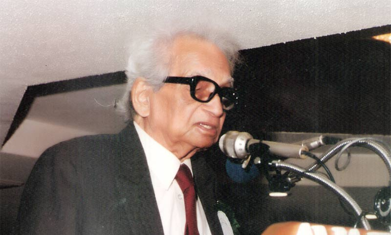 Dr Salimuzzaman Siddiqui giving a speech during a conference. -Photo courtesy Hamdard Foundation