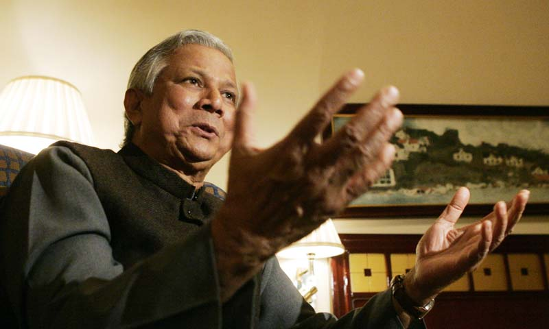 Nobel Peace Prize laureate Muhammad Yunus of Bangladesh gestures during an interview with Reuters in Oslo, Dec 9, 2006. — Photo Reuters