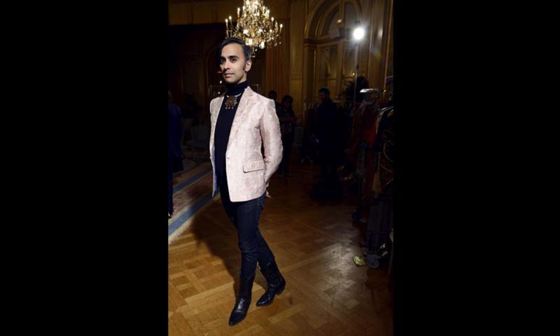 What S Hot At The Paris Lahore Karachi Fashion Show Multimedia Dawn Com