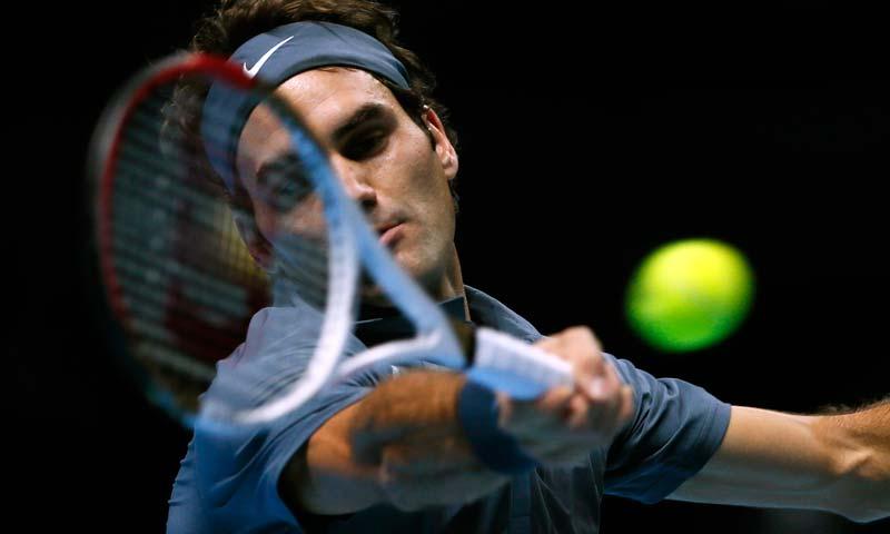 527bd6f4d2afe - Federer stays in semi-final hunt