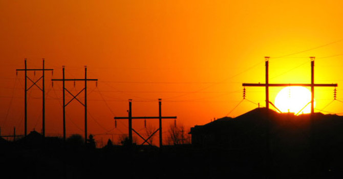 electricity crisis This paper discusses the political, regulatory and economic factors that led to california's electricity crisis in 2000 and 2001 it begins with a discussion of the.
