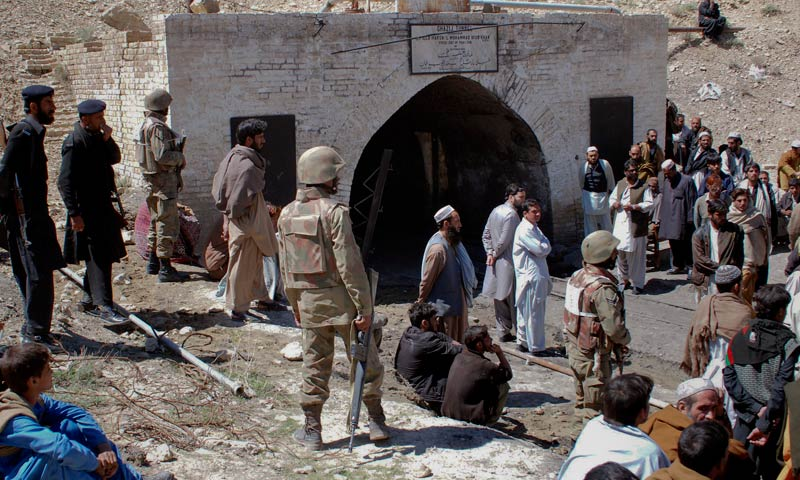 Rescuers retrieve bodies of 2 Chinese miners in Balochistan
