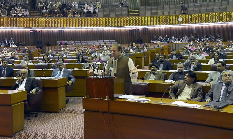 Prime Minister Nawaz Sharif appeared in the National Assembly to announce that he had formed a four-member committee to respond to the Tehreek-i-Taliban Pakistan's latest talks offer. — Photo by INP
