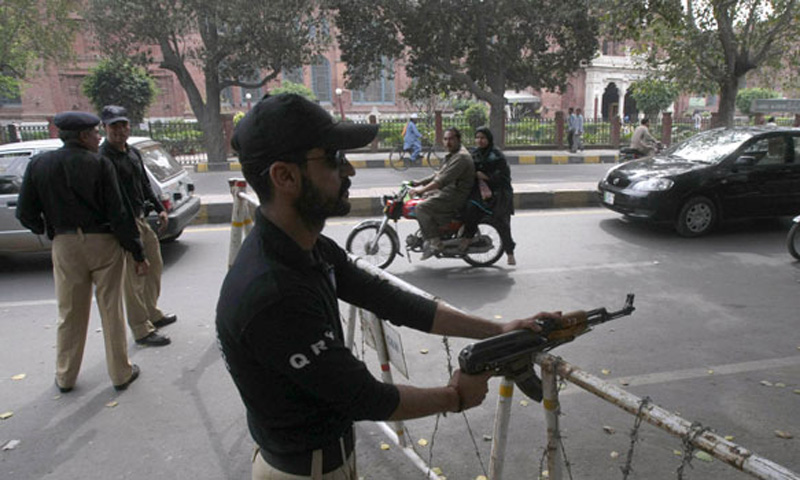 Constables weigh heavy on Punjab police - Pakistan - DAWN COM
