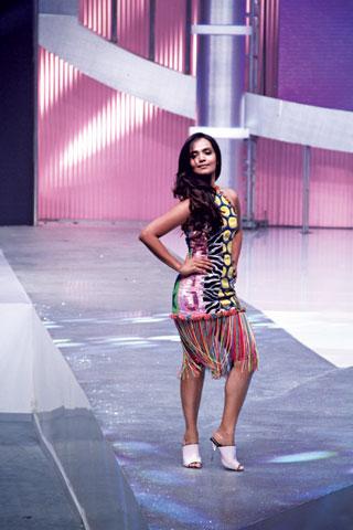 The fashionista in a Retro Era outfit by Nomi Ansari.