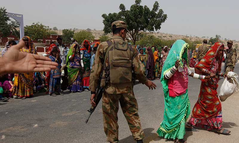 Pak Army to donate a day's ration to drought-hit people - Pakistan - DAWN.COM