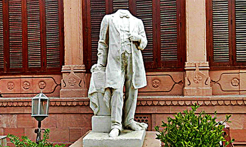 The beheaded statue of the first president of the Karachi Municipality (1911-1922), who brought electricity to the city, Harchand Rai Vishandas. –Photo by Akhtar Balouch