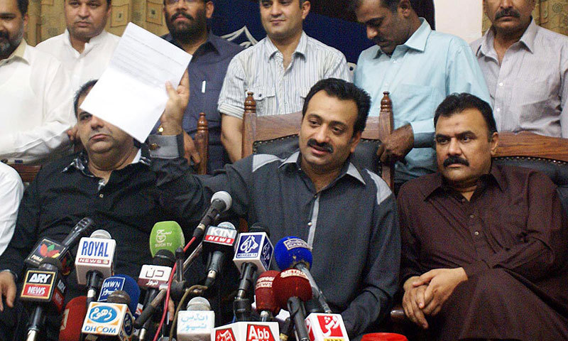 Chairman Cable Operator Association Khalid Arain addressing a press conference at the Karachi Press club. — Photo by Online