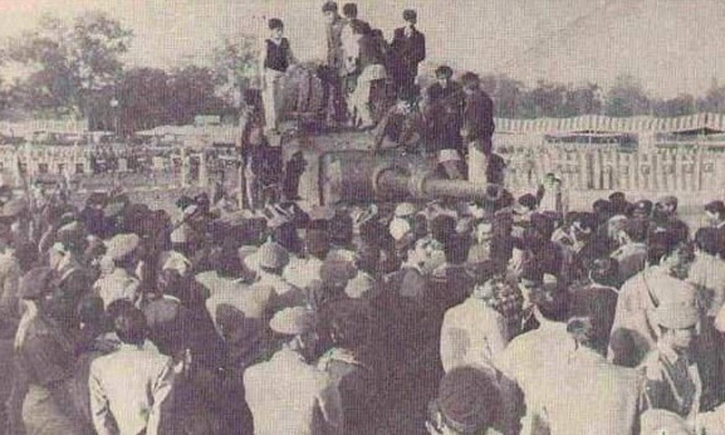 People gather in Lahore to see a captured Indian tank during the 1965 Pakistan-India war.