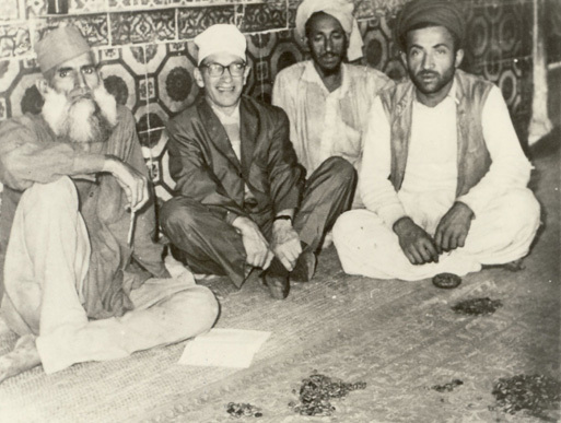 Famous American mystic, Samuel Lewis, seen here with the keepers of the shrine of Sufi saint, Data Ganj Baksh, in Lahore (1962).