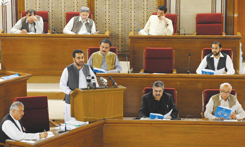 Quetta: Advisor to Chief Minister on Finance Mir Khalid Langov presents Rs215.7bn deficit budget for fiscal year 2014-15 in Balochistan Assembly on June 9.—INP