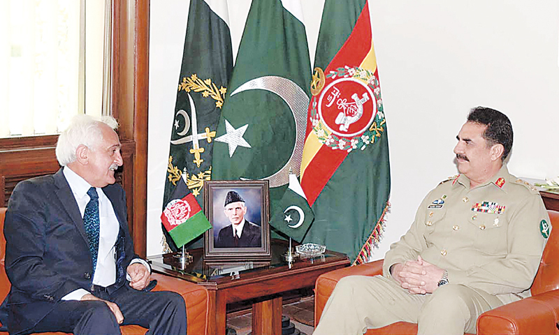 RAWALPINDI: Afghanistan's National Security Adviser Rangin Dadfar Spanta during a meeting with Chief of Army Staff General Raheel Sharif at the General Headquarters here on Thursday.—APP