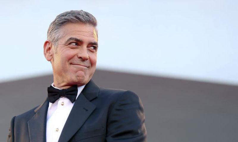 سب سے زیادہ کمانے والے اداکار جارج کلونی ہیں جنھوں نے 239 ملین ڈالر کمائے