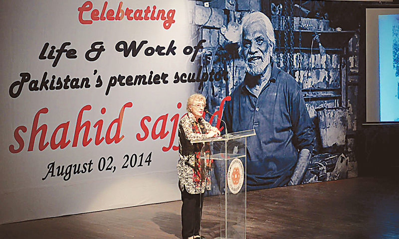 MARJORIE Husain speaks at a gathering held to pay homage to Shahid Sajjad at the Arts Council of Pakistan on Saturday.—White Star