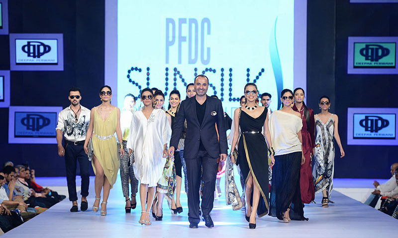 Bfa Deepak Perwani Crowned 6th Best Fashion Designer In The World Pakistan Dawn Com
