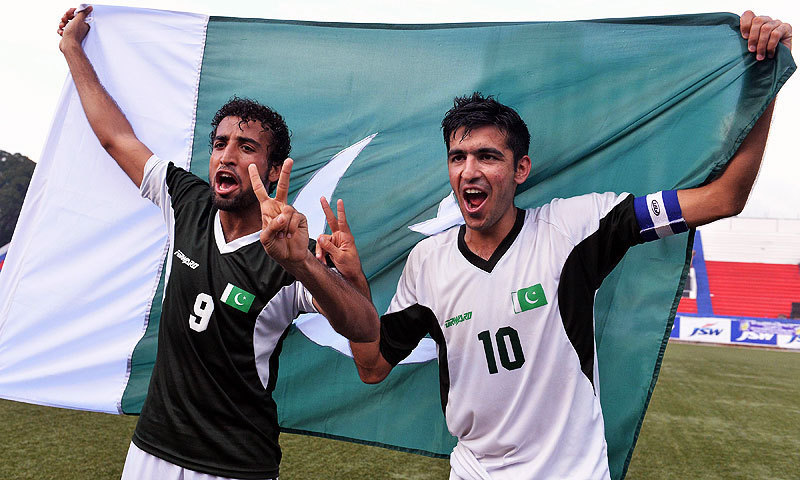 Pakistan defeats India 2-0 to level football series