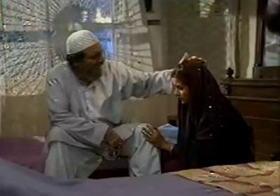 Firdous Jamal (Molvi Subhanallah) with Sohai (Yasmeen) -Photo from Pyaray Afzal Facebook page.