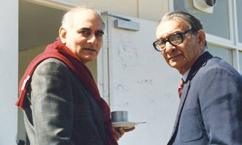 In retirement: Iftikhar Ahmed and Omar Kureishi enjoying a cup of tea in 2003.
